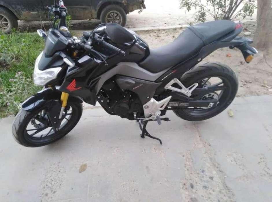 Motocicleta Honda Modelo CB190R