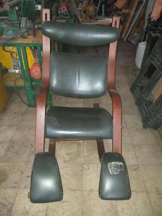 <strong>silla</strong> Mecedora en Madera Y Cuero