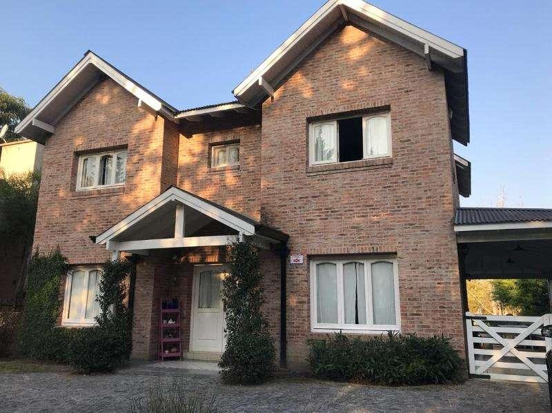 Ridella Propiedades Casa en venta en San Facundo Country Club.