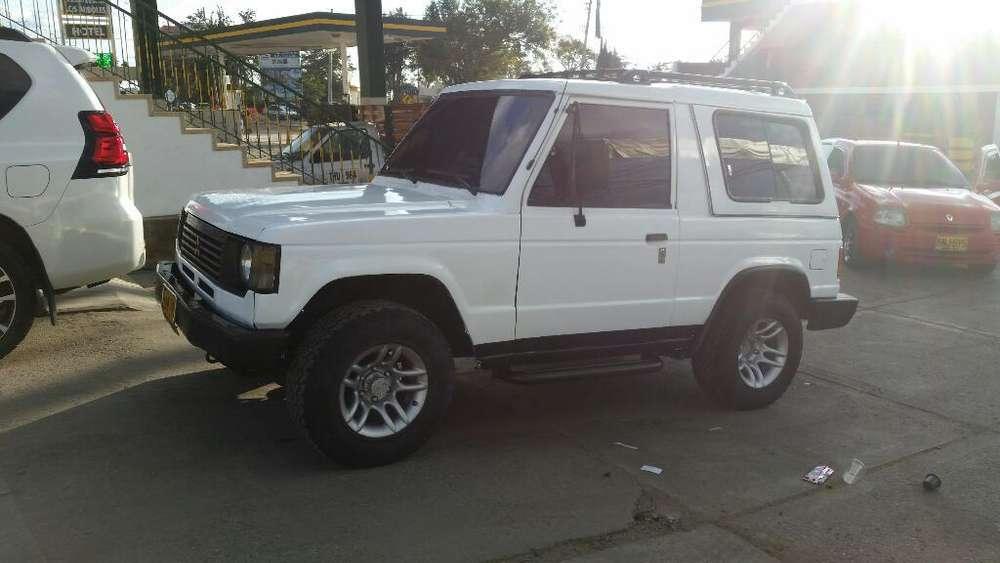 Mitsubishi Montero 1991 - 300000 km