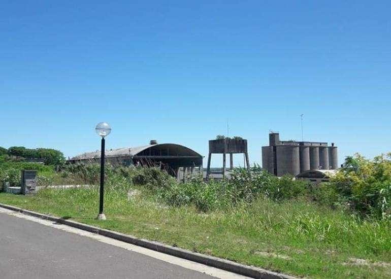 Puerto urquiza - terreno 957 m2 en VENTA