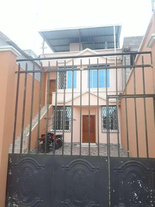Se ALQUILA confortable départ en Urbanización Portón del Consejo Provincial INFORMACIÓN: 0994064889/0988358038