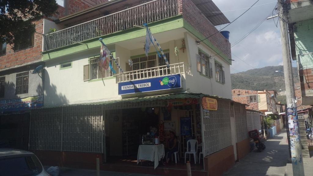 VENDO CASA EN RIO PRADO GIRON CON NEGOCIO - wasi_552047