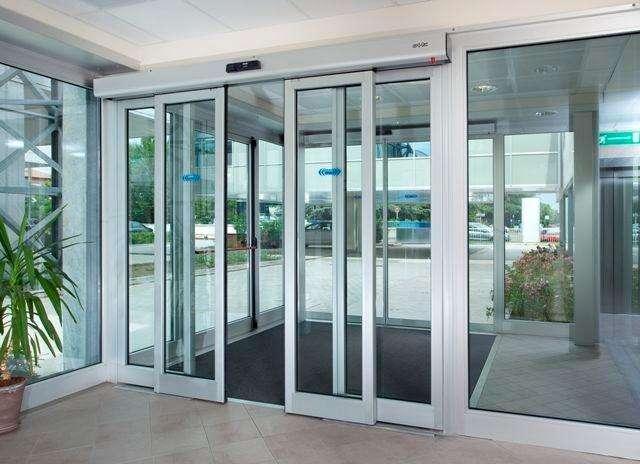 Puertas Automáticas de Vidrio Templado y Enmarcado. Instalación, reparación y mantenimiento