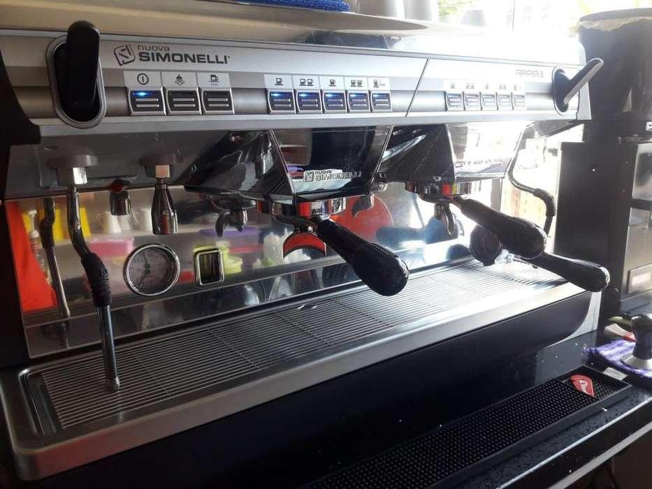 Máquina Espresso Molino Pitcher Rinser