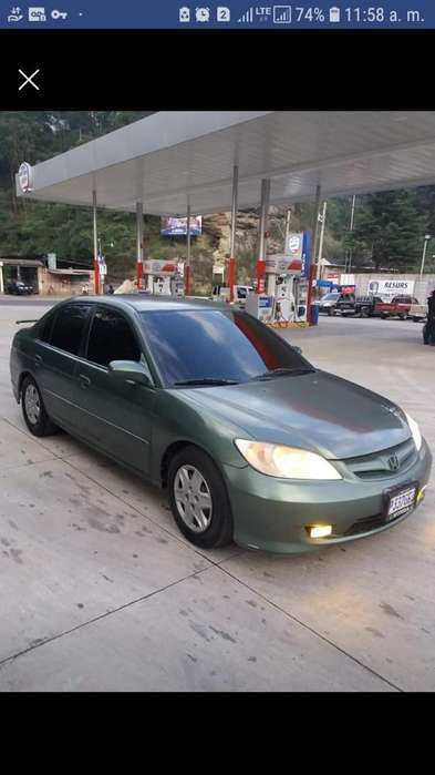 Honda Civic 2004 - 150000 km