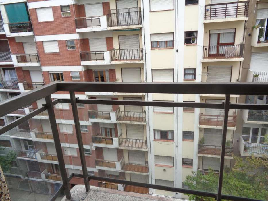 Alquiler Departamento 2 ambientes a la calle balcon centro