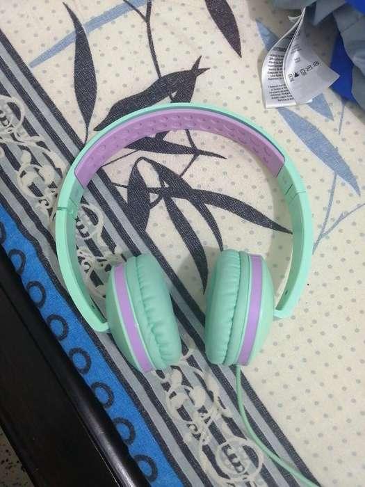Audífonos con Cable Marca Jelly Comb