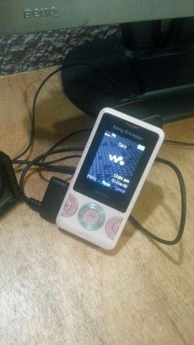 Sony Ericsson W205a Walkman Clásico Rosa