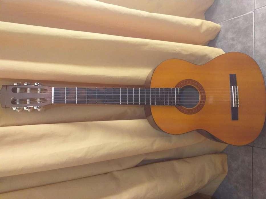 Guitarra Criolla Yamaha C40