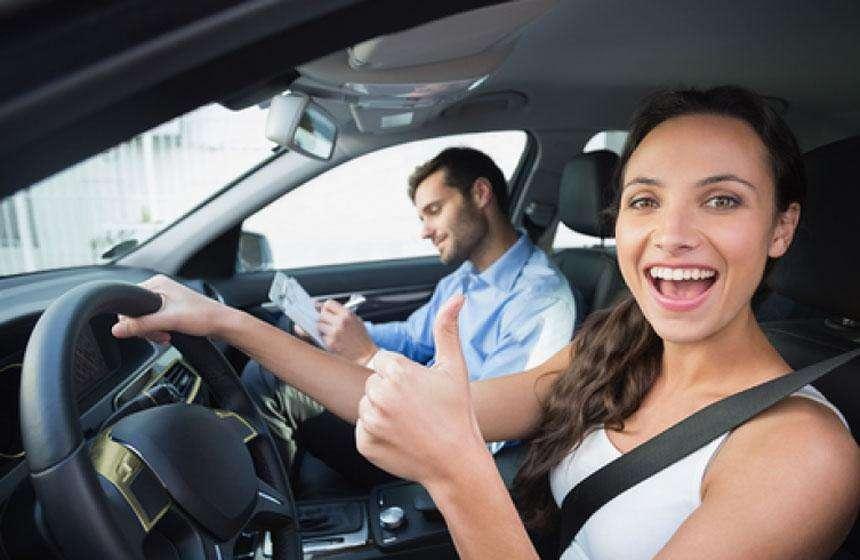Clases particulares de conducción en tu propio auto