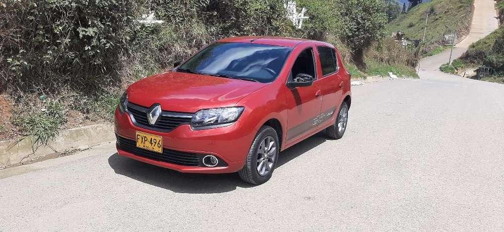 Renault Sandero 2019 - 6000 km