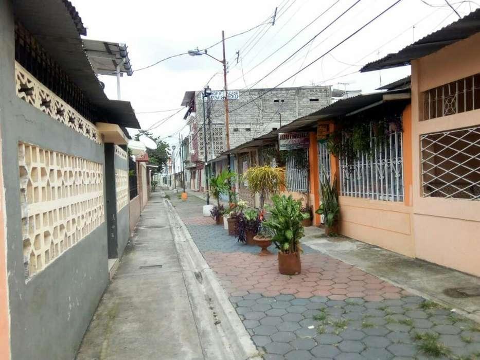 Venta de Casa Rentera en la Floresta, cerca de la Parada de la Metrovia, Sur de Guayaquil