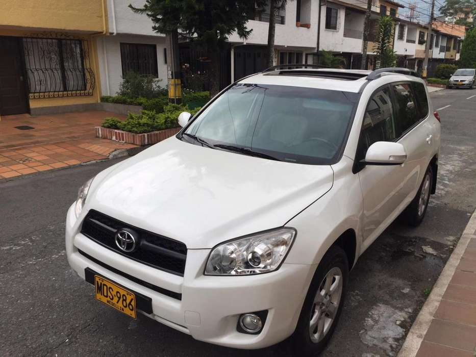 Toyota RAV4 2010 - 90000 km