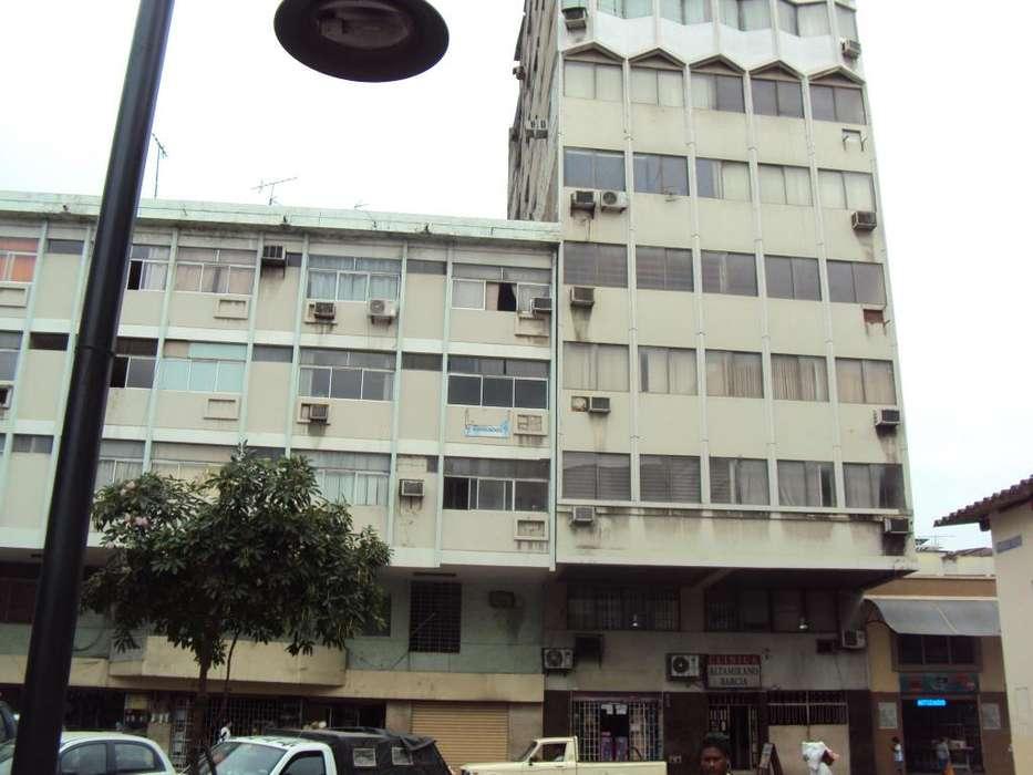 Oficina de venta en el centro de la ciudad, con ascensor.