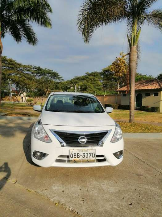 Nissan Versa 2015 - 74000 km