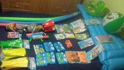 vendo juego de playa pelotas,antiparras,ranas,flotadores 2.272