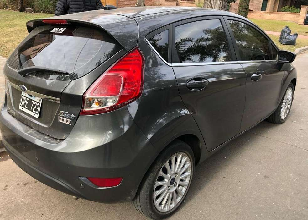 Ford Fiesta Kinetic 2015 - 0 km