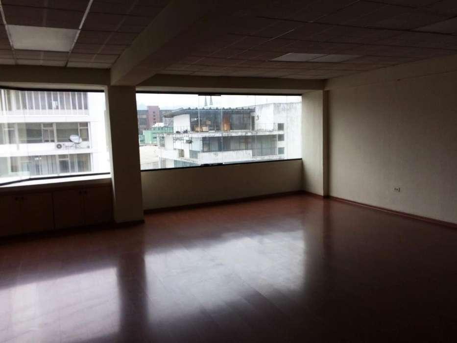 En renta planta 3 de 332,52 metros cuadrados Av. 10 de Agosto Quito Pichincha