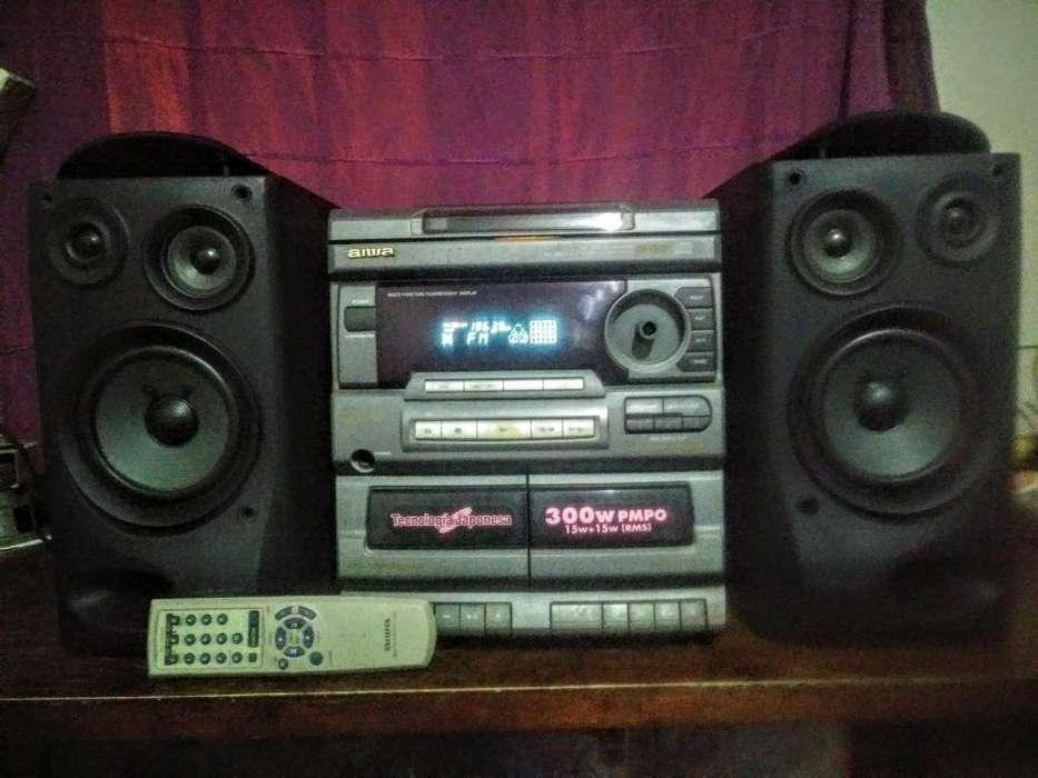 Minicomponente Equipo de Musica Aiwa