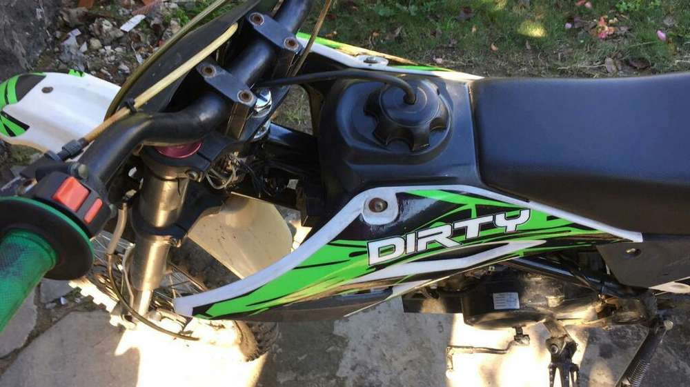 Vendo O Permuto Dirty 125