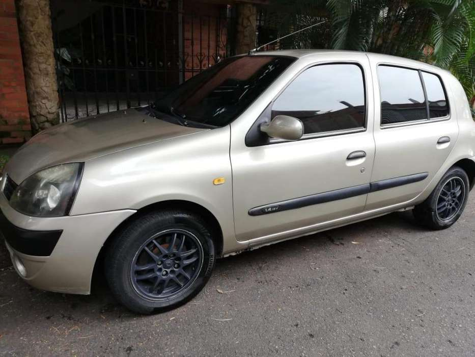 Renault Clio  2004 - 194000 km
