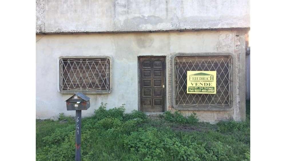 Rawson 650 - UD 65.000 - Casa en Venta
