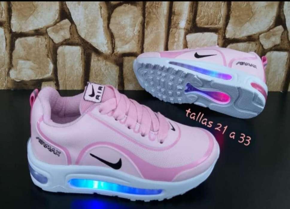 Tenis Nike de Luces para Niñas