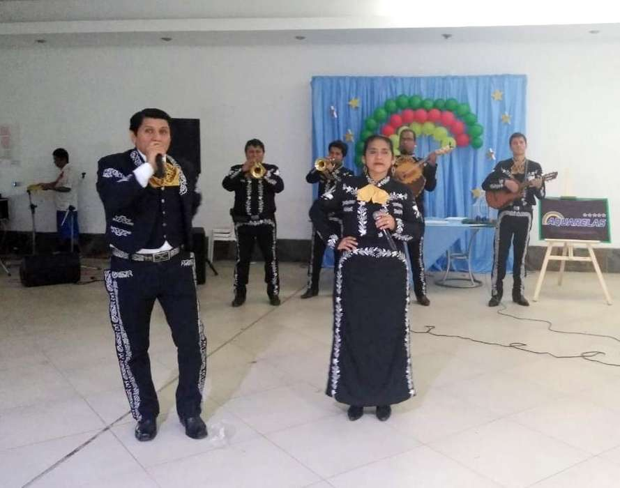 Mariachis de Trujillo. 926 873 005