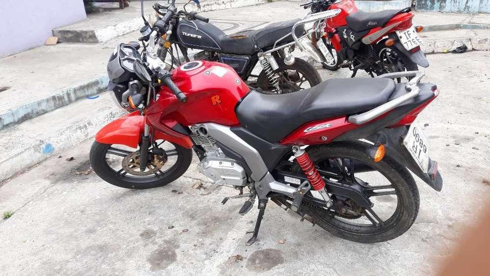 Vendo Moto Suzuki 125 Gsx
