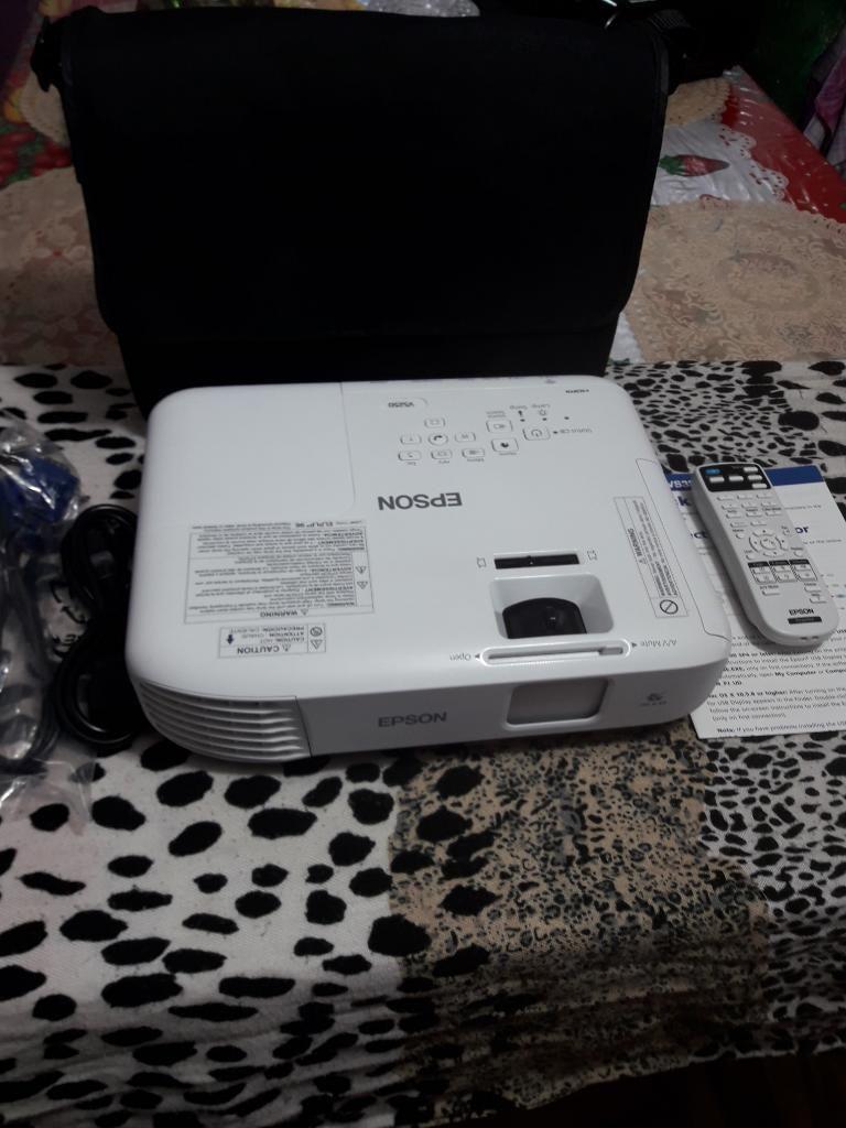 Proyector Epson Vs250 3200 Lumenes