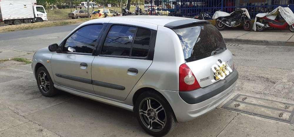Renault Clio  2005 - 170000 km