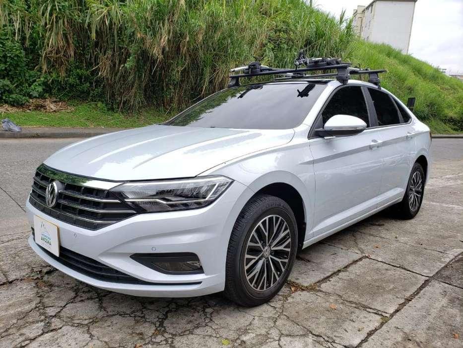 Volkswagen Jetta 2019 - 15000 km