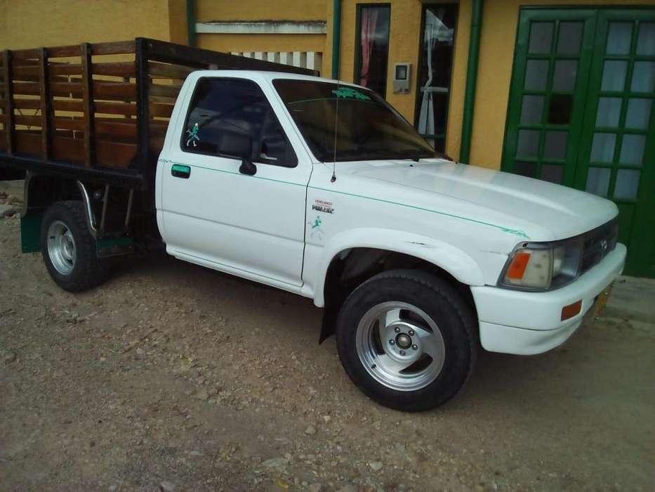 Toyota Hilux 1996 - 386000 km