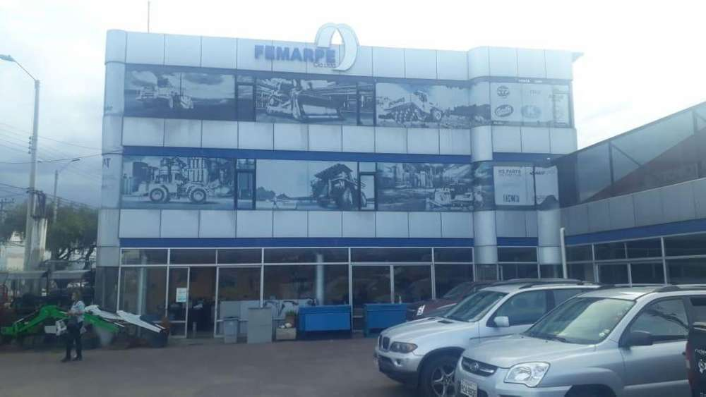 Propiedad en venta Sector Aeropuerto, frente a la Av. Gil Ramirez Davalos