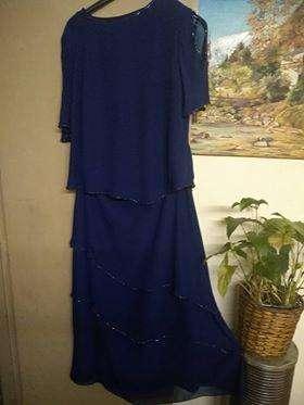 4e5b4f0c7e Conjuno de casaca y pollera para señora de fiesta Talle L - Caseros