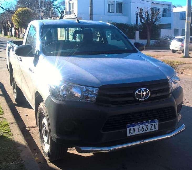 Toyota Hilux 2017 - 30000 km