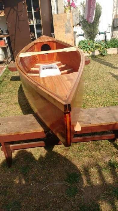 Vendo canoa de madera
