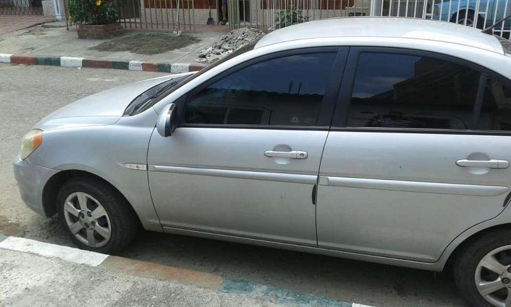 Hyundai Accent 2007 - 12687 km