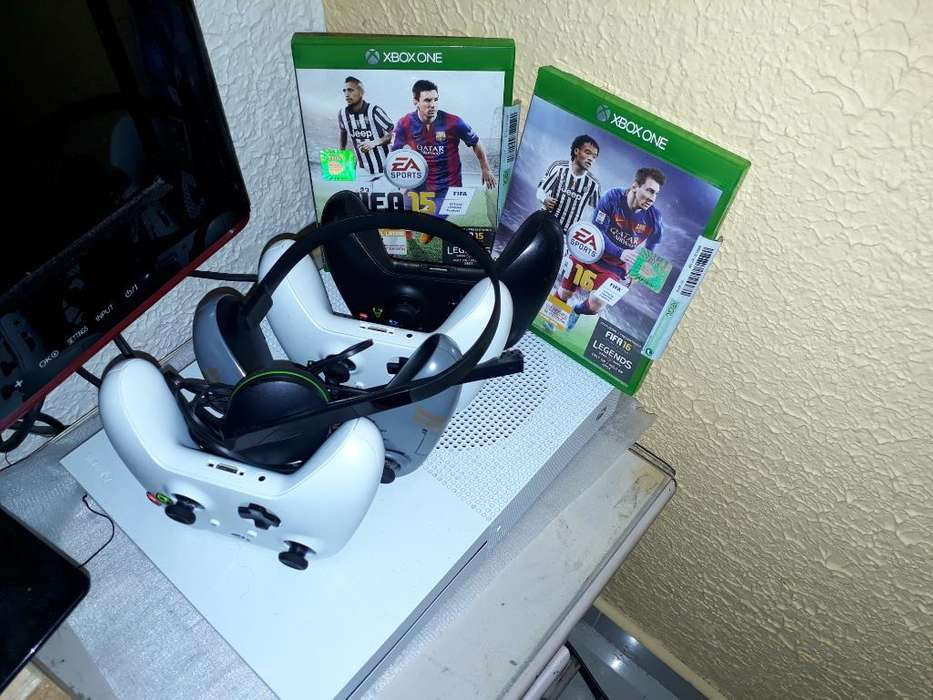 Xbox One S 4 Controles