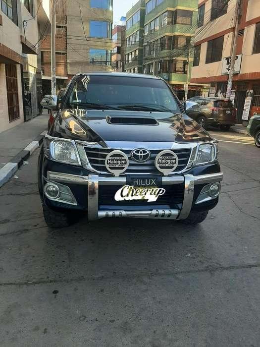 Toyota Hilux 2015 - 72000 km
