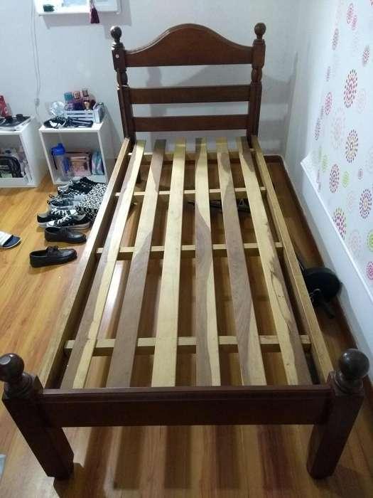 Vendo <strong>cama</strong> de algarrobo con colchn