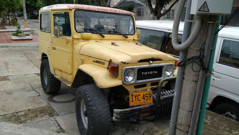 Toyota Land Cruiser 1977 - 100000 km