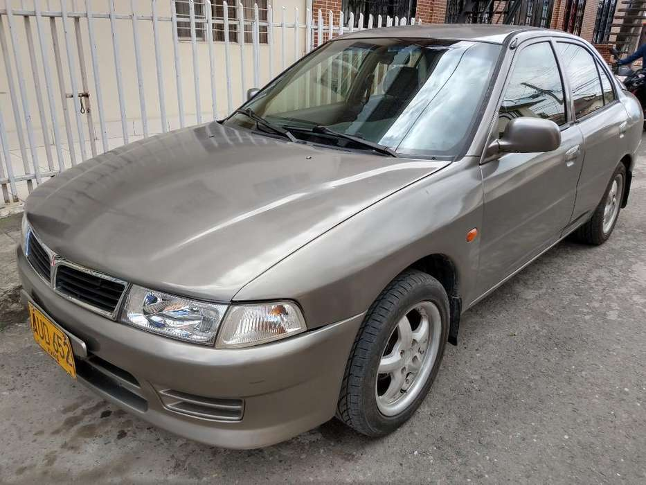 Mitsubishi Lancer 1998 - 330000 km
