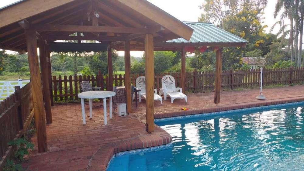 qk92 - Casa para 1 a 15 personas con pileta y cochera en Eldorado