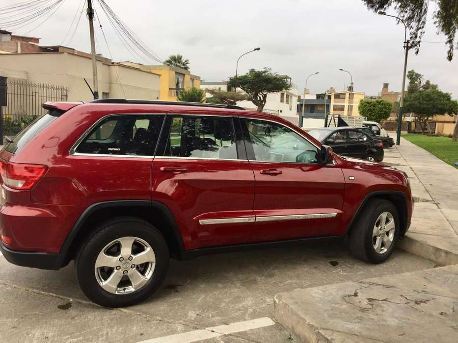 JEEP GRAND CHEROKEE 2013 - 64000 km