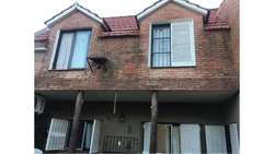 Lazarte  1800 - UD 200.000 - Casa en Venta