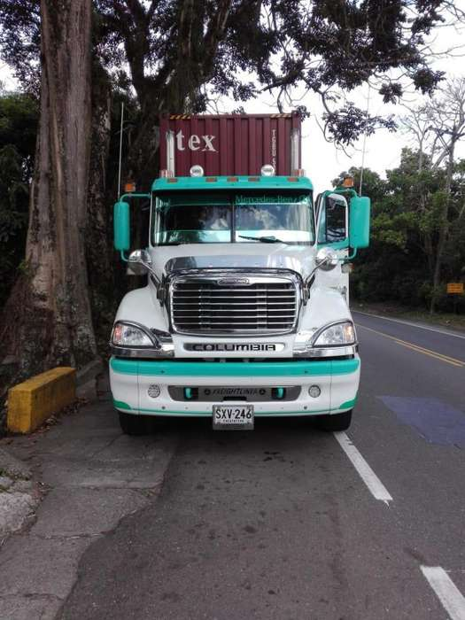 CEL3006666826 VENDO CABEZOTE DE TRACTOMULA FREIGHTLINER MODELO 2012, ENLLANTADO SE FINANCIA POR FINANCIERA