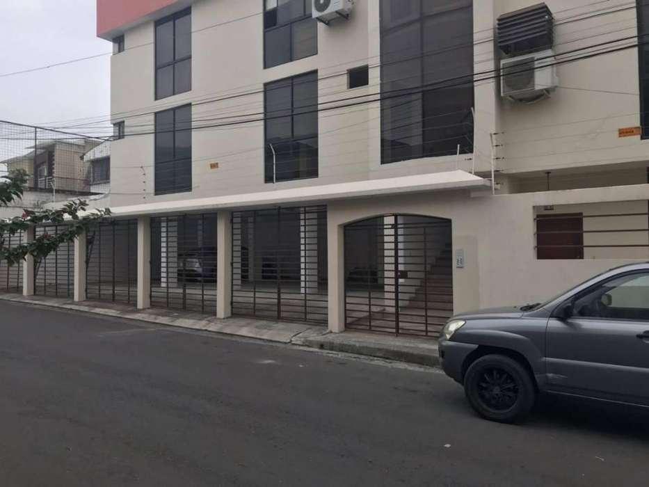 Venta de Departamento en la Urb. Santa Cecilia, Ceibos, cerca de la Piazza, Norte de Guayaquil