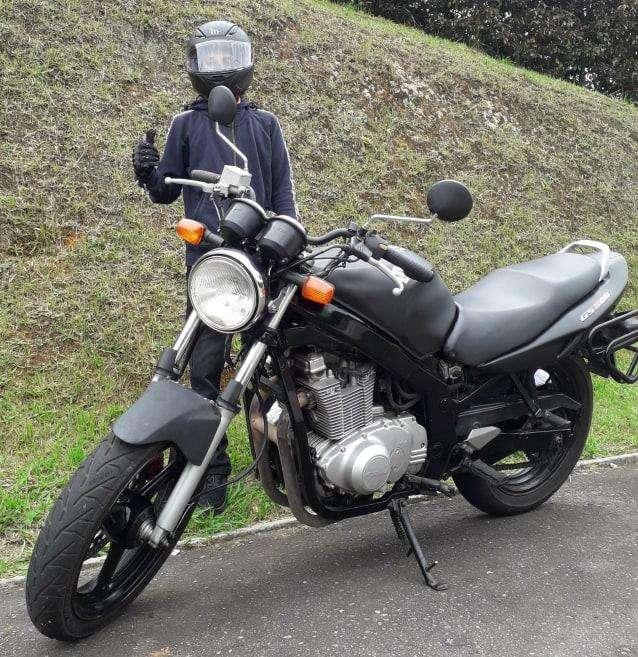 Vendo <strong>suzuki</strong> Gs500 Negro Mate